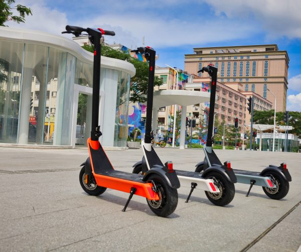 The Long Awaited New Model 2021 Komeet X9 e-scooter is here!